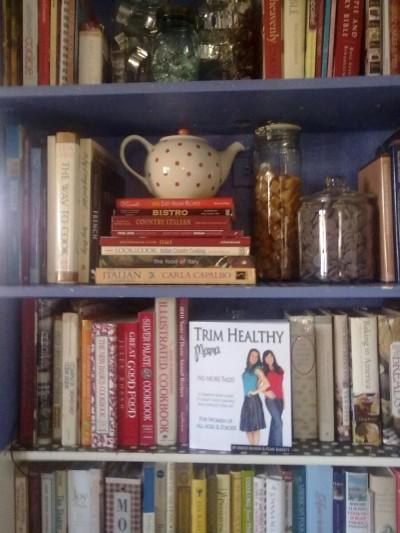 THMbookshelf